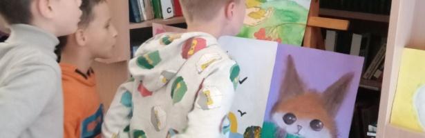 """В бібліотеці проходить виставка дитячих робіт """"Барви осені"""""""